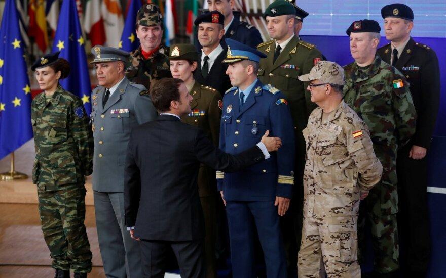 Emmanuelis Macronas ir ES šalių kariuomenių vadai