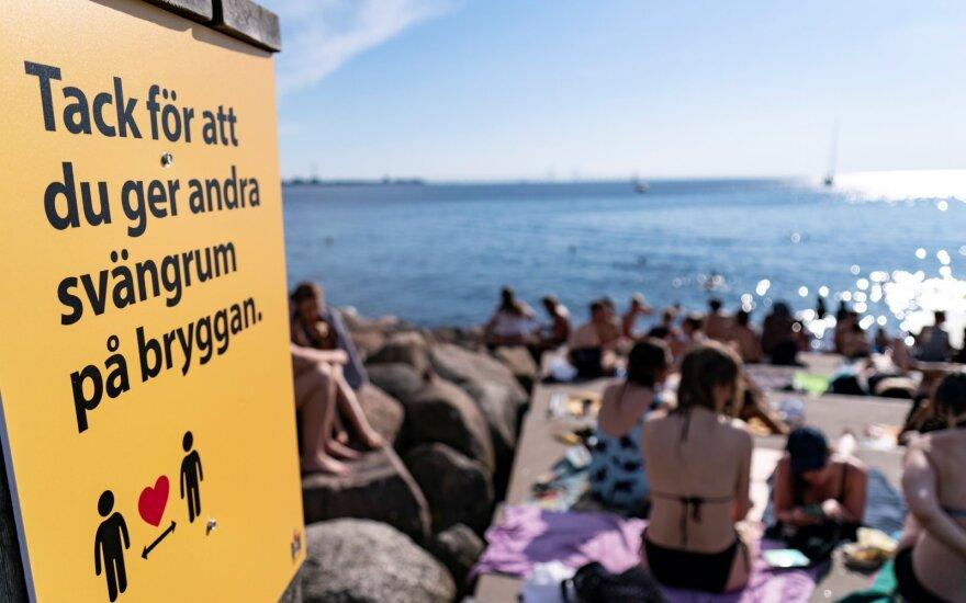 Švedijos epidemiologas: rezultatas, kurį galėjo duoti kaukės, yra stebėtinai silpnas