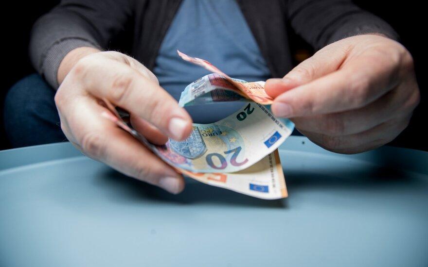 Didžiausi sandoriai Baltijos šalyse: verslo rykliai sukiojasi apie lietuviškas įmones