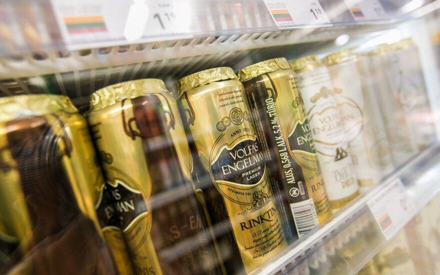 Pribloškė mamos abejingumas: vaikas prašė nupirkti guminukų, bet alus buvo svarbiau