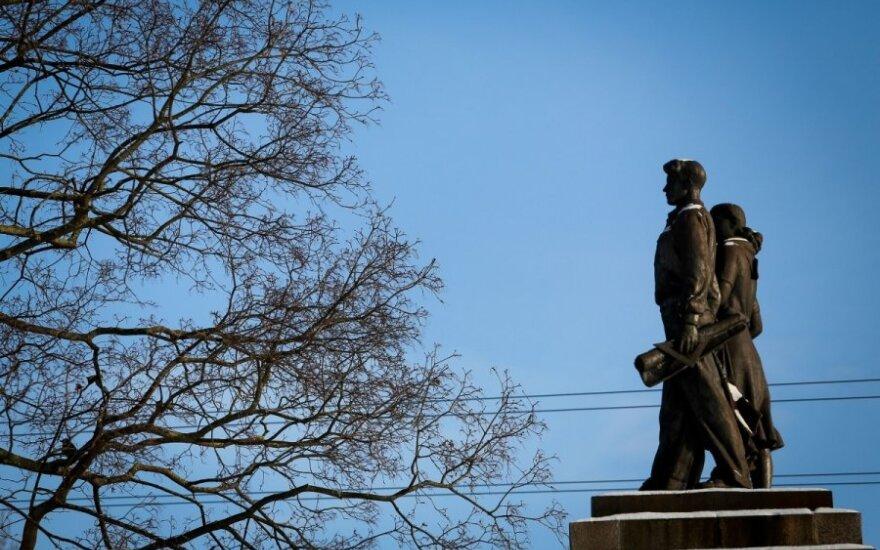 Decision on Soviet sculptures in central Vilnius postponed
