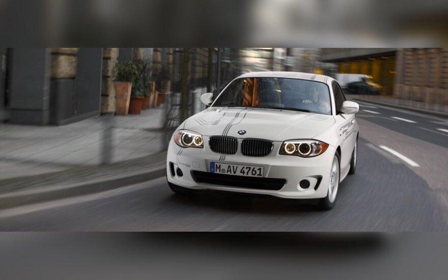 BMW planuoja parduoti po 30 tūkst. elektromobilių kasmet