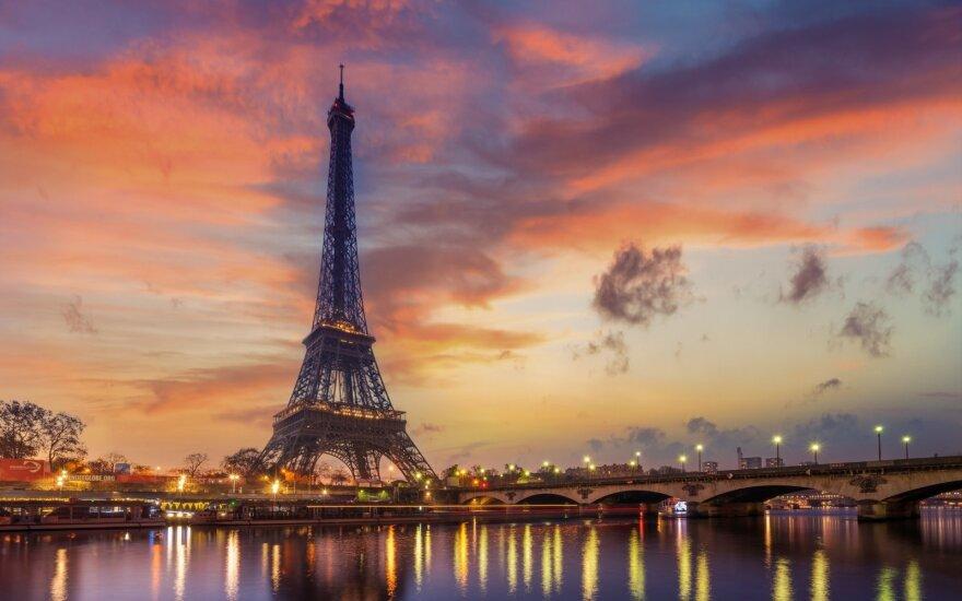 """Skelbiama, kad """"Chauffeur Prive"""" paslauga Paryžiuje gana populiari"""
