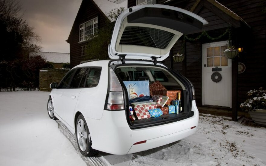 Automobilio bagažinė, kalėdinės dovanos
