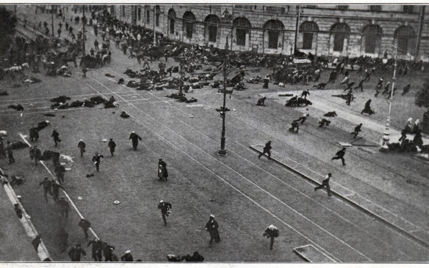 V. Laučius. 1917-ųjų revoliucija: kas padėjo tamsos jėgoms ir išdavė Baltąją gvardiją