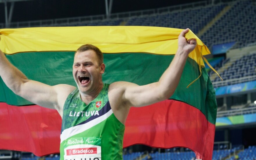 Mindaugas Bilius at Paralympics just after winning the golden medal