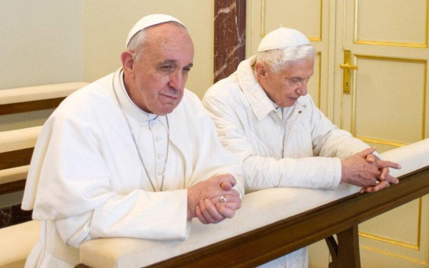 Popiežius Pranciškus ir Benediktas XVI