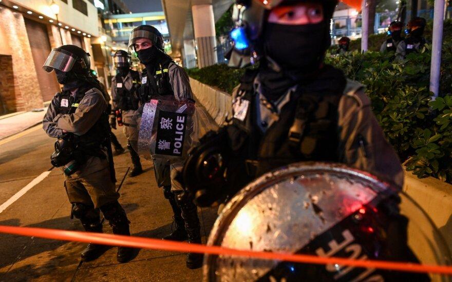 """Kinijos valstybinė žiniasklaida: rinkimai Honkonge – """"iškreipti"""""""