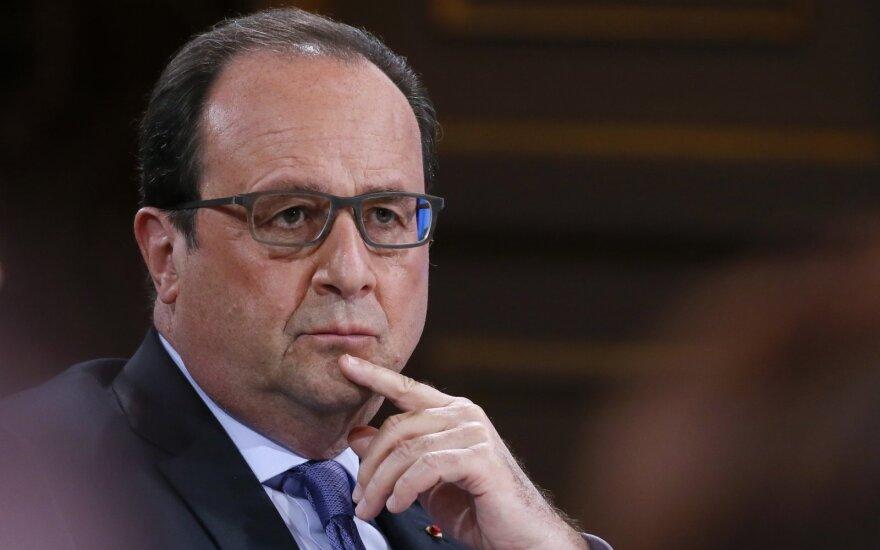 9 iš 10 prancūzų nebenorėtų matyti F. Hollande'o prezidentu
