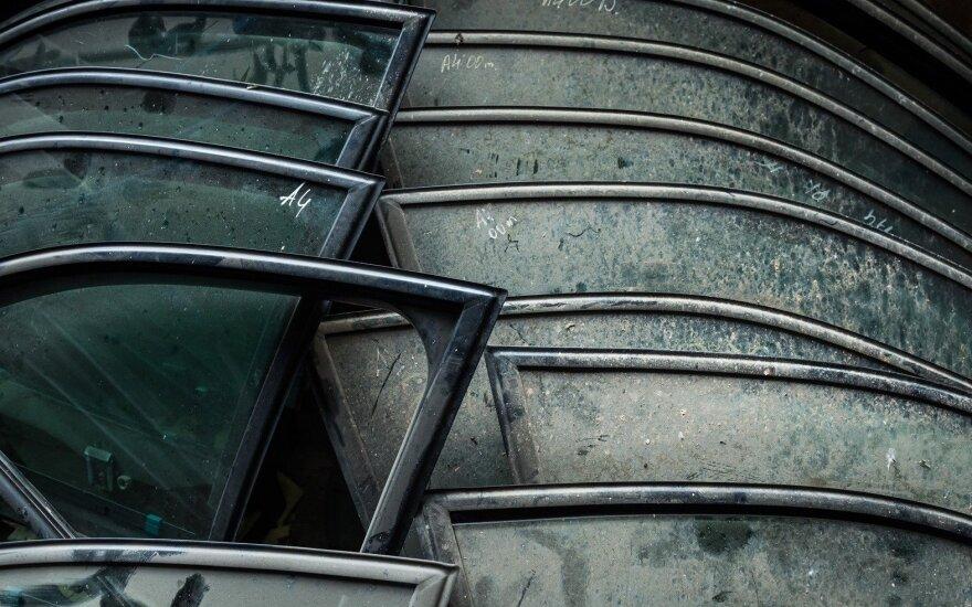 Asociacija: automobiliai ardomi vis atsakingiau