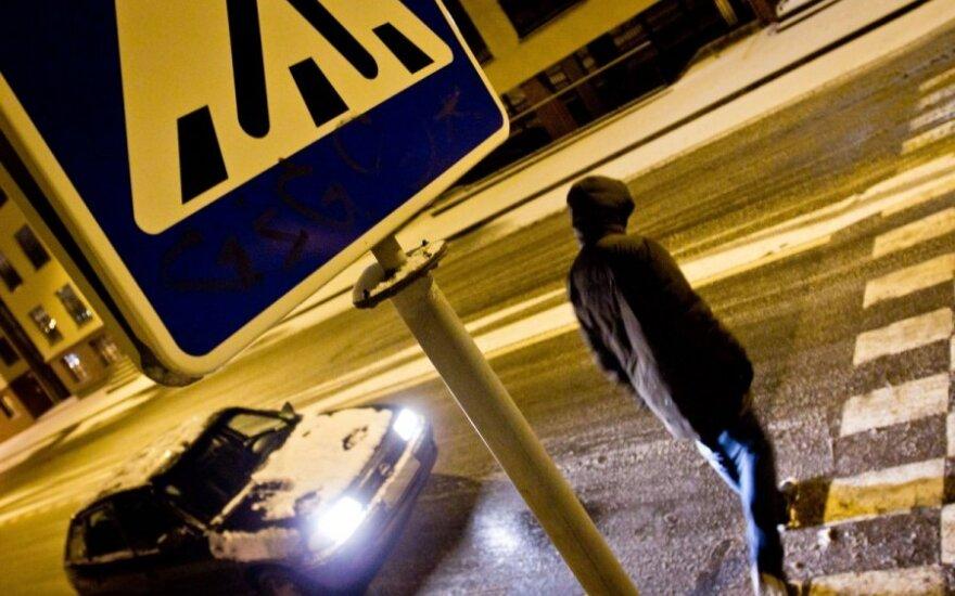 Žibintai Klaipėdos gatvėse švies ilgiau