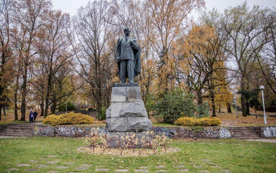 Petras Cvirka monument