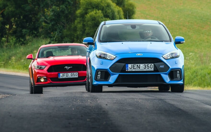 """Ford Mustang GT"" ir ""Ford Focus RS"""