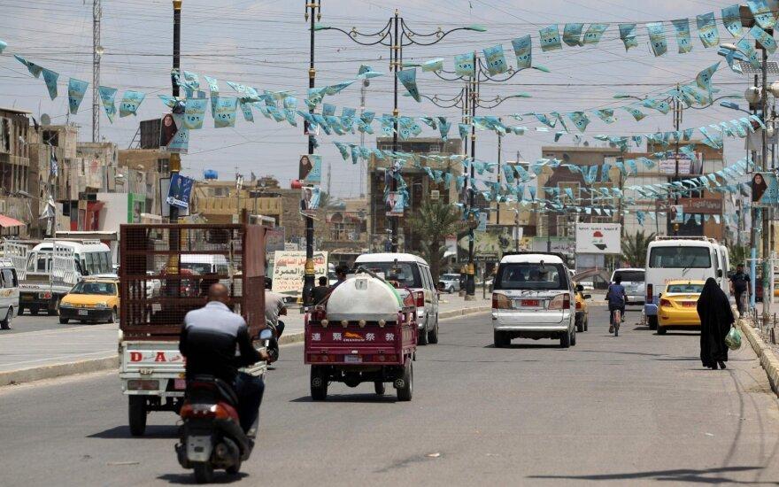 Irako parlamento rinkimuose tvirtai pirmauja šiitų dvasininko Sadro koalicija