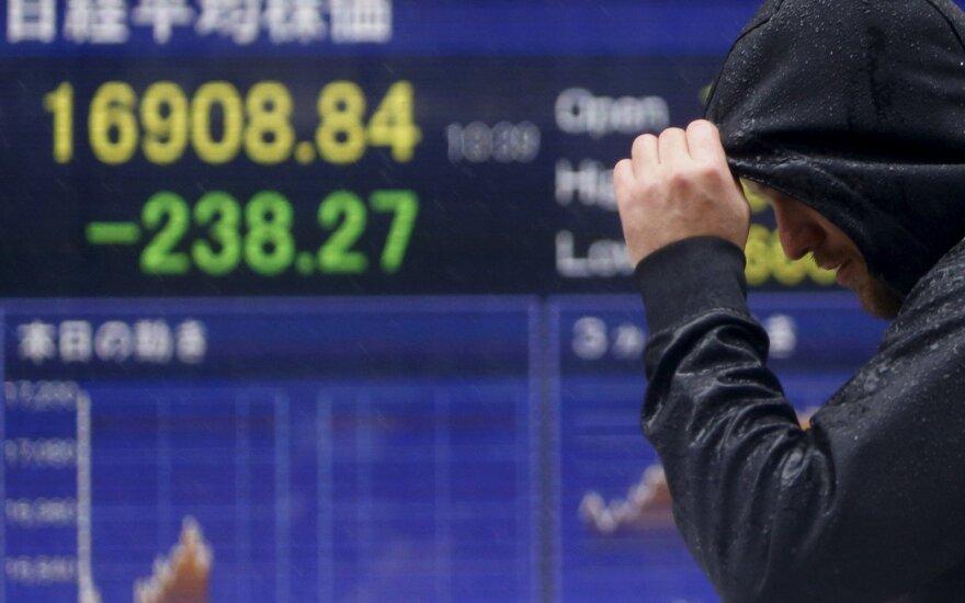 Po Japonijos centrinio banko sprendimo smunka Azijos biržos