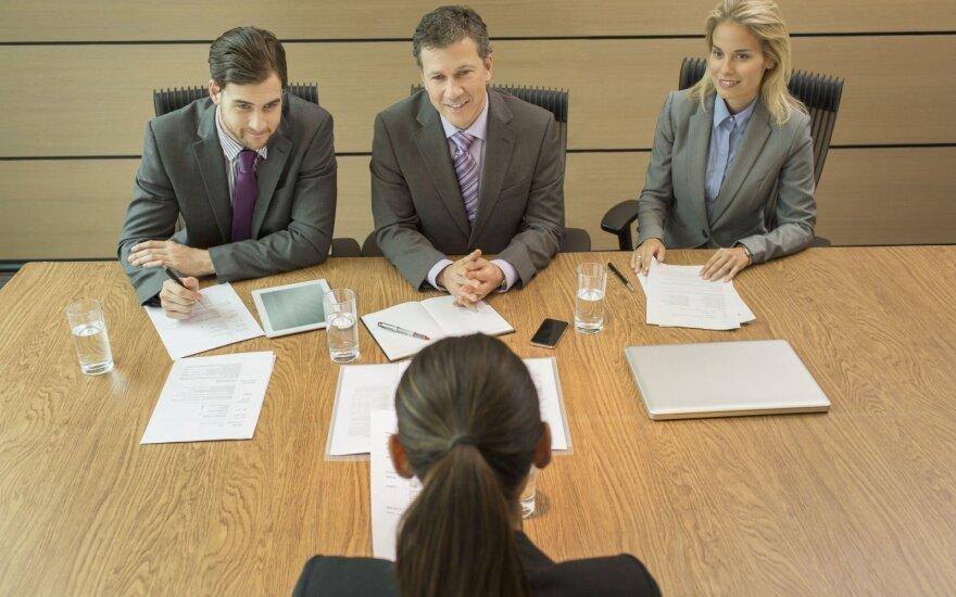 Kokiu atlyginimu įvertinamas kertinių įmonės žmonių darbas