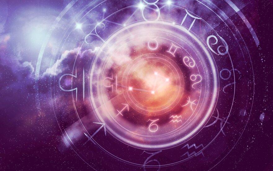 Astrologės Lolitos prognozė spalio 9 d.: diena, kai reikėtų mažiau planuoti