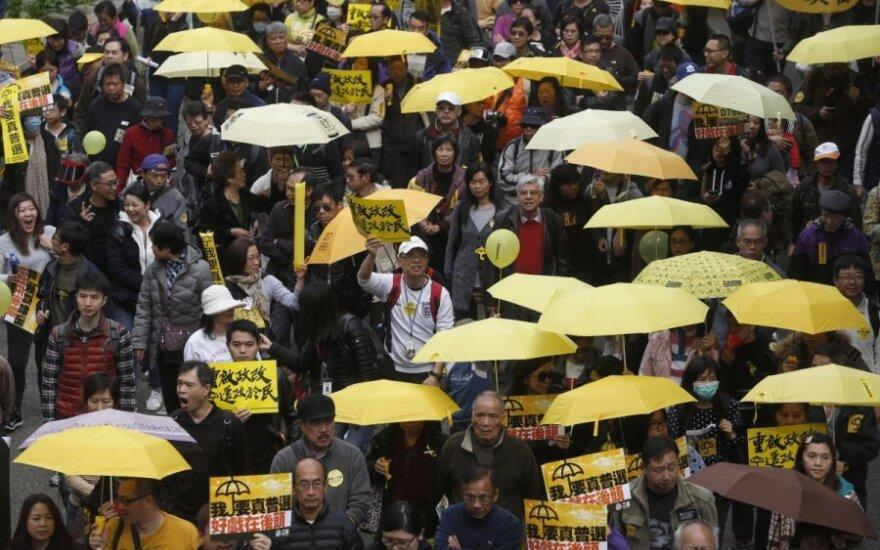 Protestuotojai Honkonge siekia didinti spaudimą ekonomikai