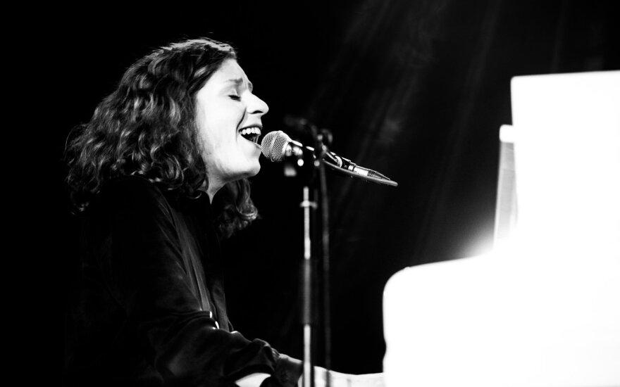 Nauja Alinos Orlovos dainos versija – įkvėpta žinomo kino režisieriaus