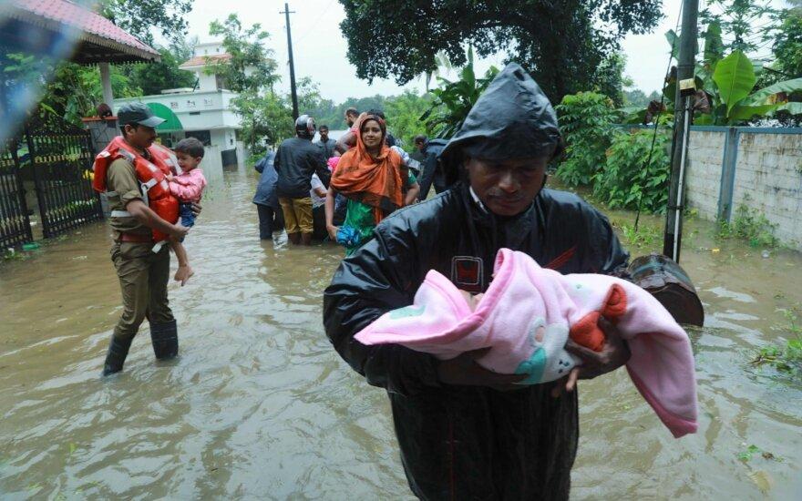 Indijos pietuose potvynių aukų padaugėjo iki 106