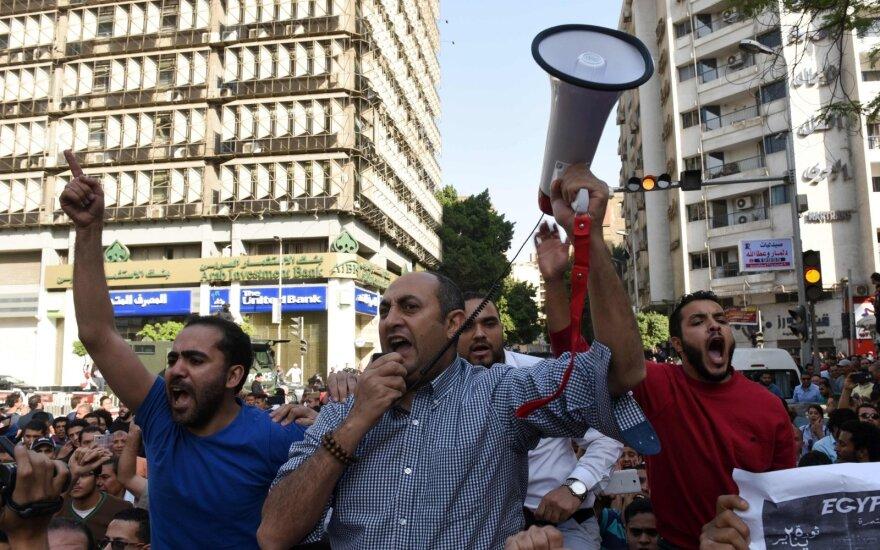 Egipte nuo antivyriausybinių protestų pradžios sulaikyti beveik 2 tūkst. žmonių