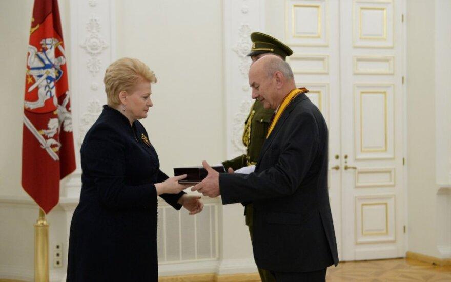 Po skandalingo sprendimo – ordinas iš D. Grybauskaitės rankų