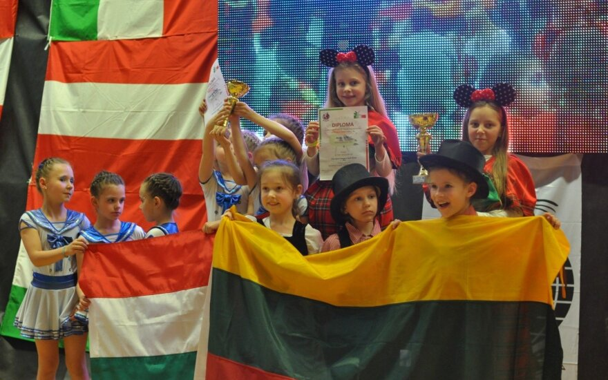Mažosios Kauno šokėjos triumfavo Italijoje