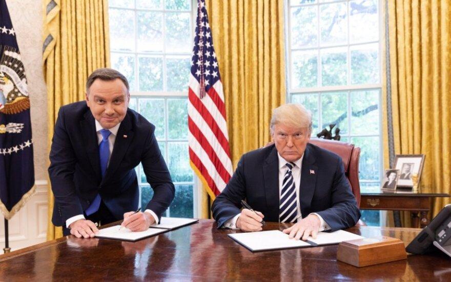 Andrzejus Duda Vašingtone susitiko su Donaldu Trumpu