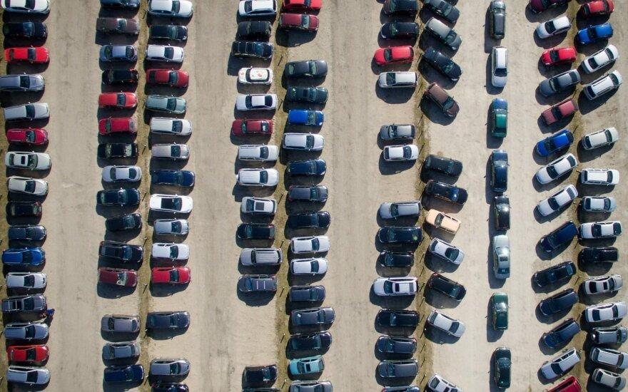 """Po """"Brexit"""" – nežinia dėl automobilių kainų Lietuvoje"""