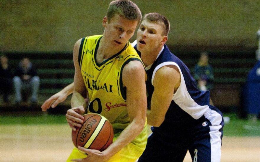 Arnas Butkevičius su kamuoliu