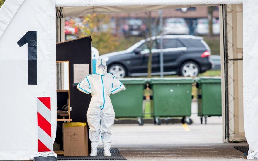 Situacija dėl koronaviruso vėl kelia nerimą: aktualus tampa sienų uždarymo klausimas