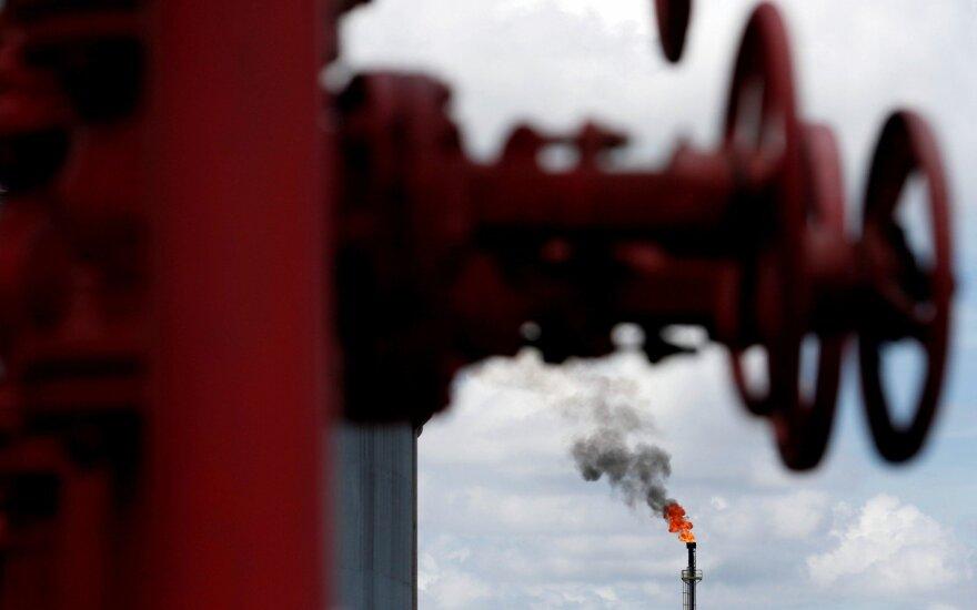JAV reikalauja pasaulio šalių iki lapkričio 4 dienos sustabdyti Irano naftos importą