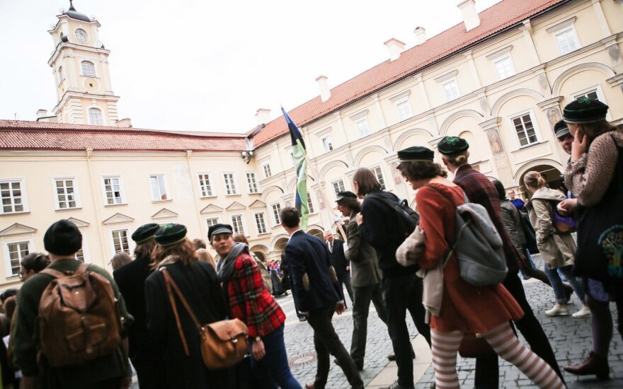 Lithuanian president proposes amendments to raise university enrolment criteria