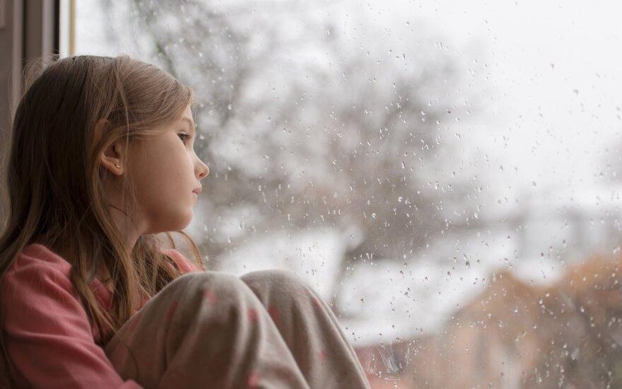 Rudens slogutis neaplenkia ir vaikų: ką reikėtų žinoti tėvams