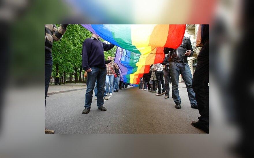 Apklausa: daugiau nei pusė gyventojų nepritaria gėjų eitynėms Vilniuje