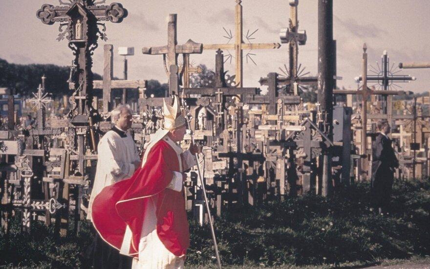 Kitais metais siūloma pagerbti šventąjį Joną Paulių II