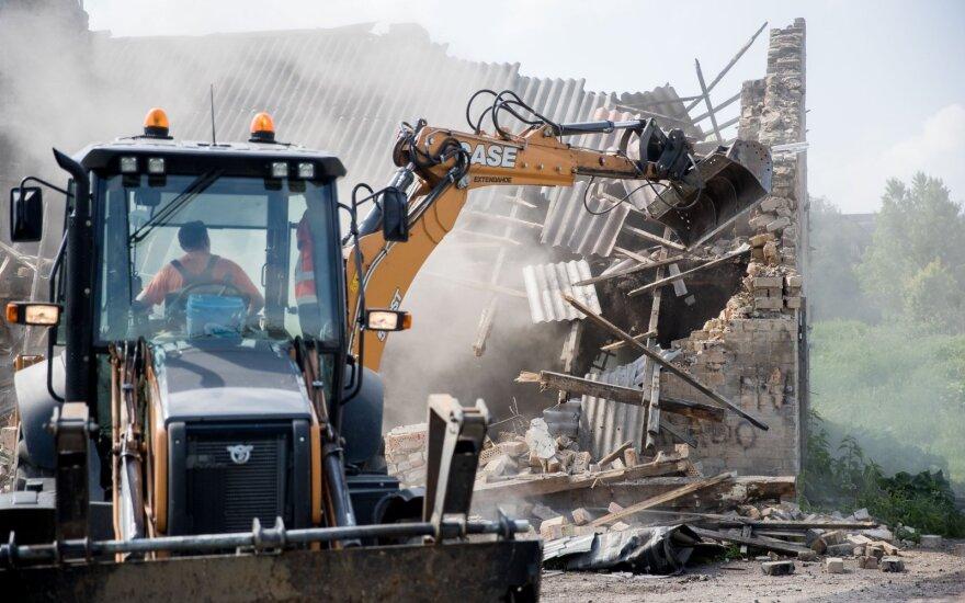 Vilniaus taboras jau praeitis: buldozeriai negailestingai nušlavė paskutinius namus
