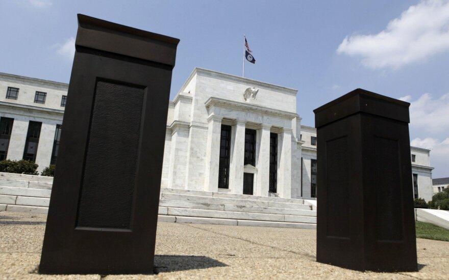 """""""Biržos laikmatis"""": investuotojai vertina, ar FED brangins skolinimąsi"""
