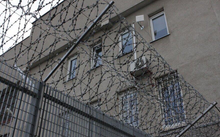 Tris mūsų šalies piliečius Rusijoje nužudęs visaginietis, Lietuvoje kalintis jau 22 metus, prašė sušvelninti bausmę