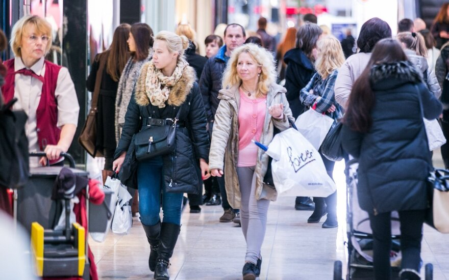 Lithuanian holiday shoppers head to Poland for savings