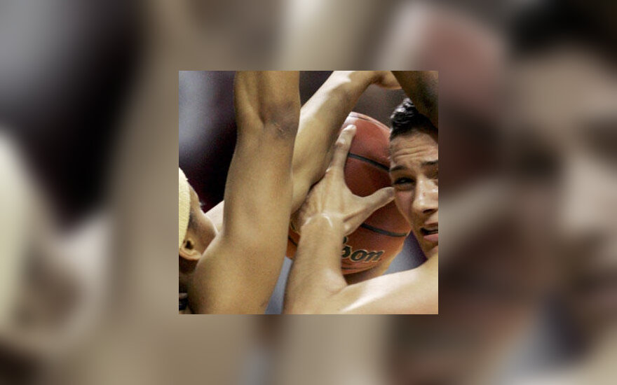 Moterų krepšinis, kova, kamuolys