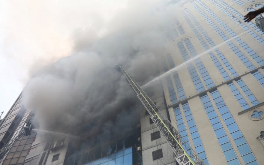 Gaisro Dakos daugiaaukštyje aukų padaugėjo iki 25