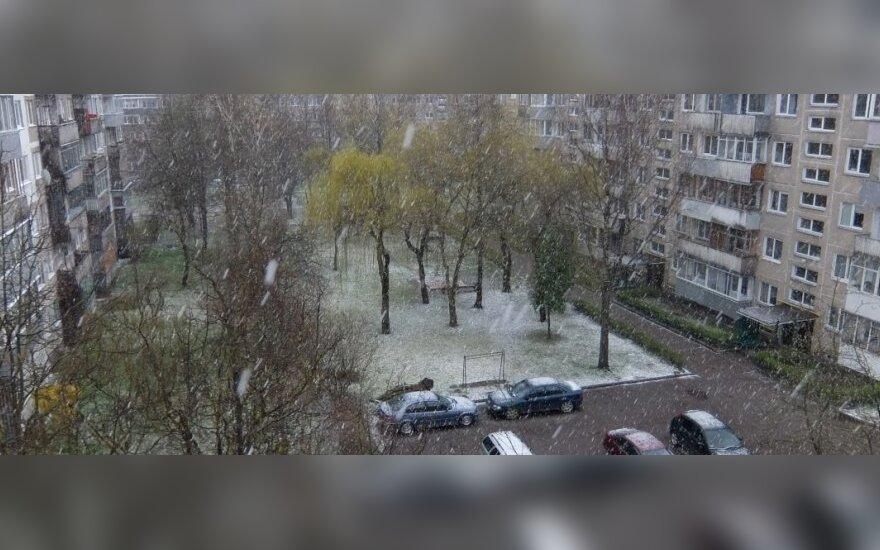 Lietuviškas pavasaris: balandžio viduryje Kauną talžė kruša