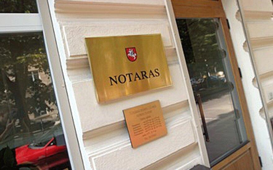 Parlamentaras Kęstutis Masiulis siūlo atsisakyti notarų mažos vertės NT sandoriams