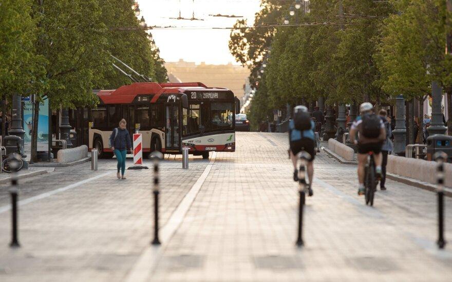 Savivaldybės prašo kompensuoti viešojo transporto nuostolius