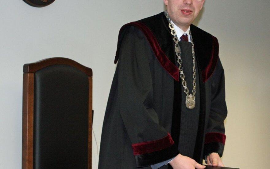 Prezidentė atšaukė dekretą dėl teisėjo G. Viederio