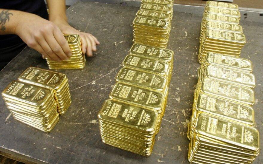 """""""Merrill Lynch"""": auksas vėl pabrangs iki 2 tūkst. dolerių"""