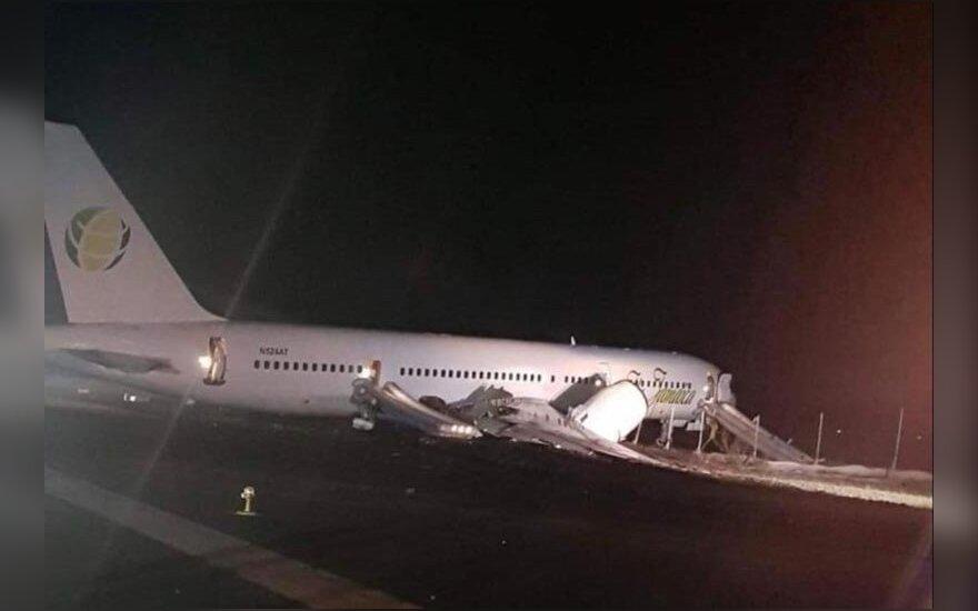 Gajanoje avariniu būdu nusileidus lėktuvui sužeisti šeši žmonės