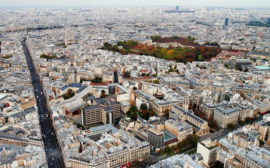Prancūzijos valdžia atsisakė planų statyti tarptautinį oro uostą vakarinėje šalies dalyje