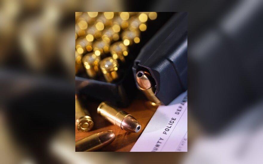 Girto jaunuolio automobilio policijos kulkos nesustabdė